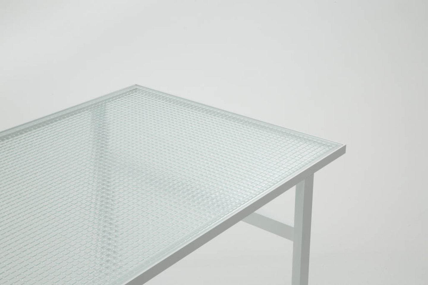 Dilmos-mosaic-glass-table02