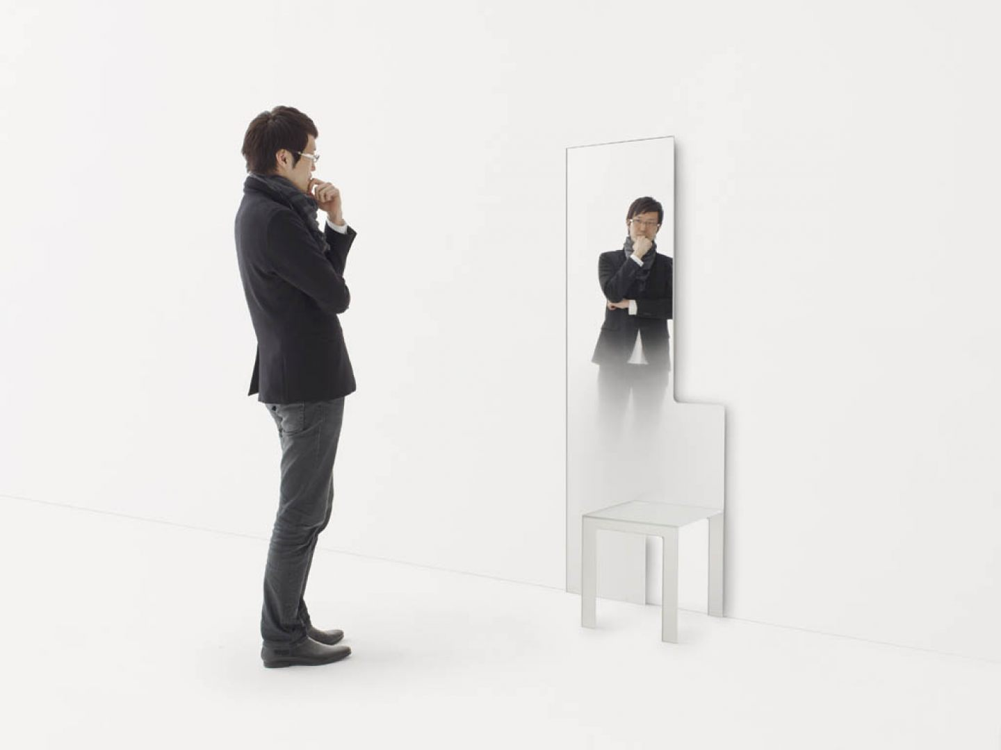 Dilmos-mirror-chair03